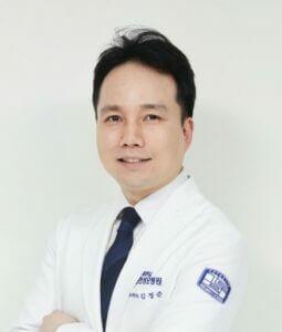 Уролог Ким Джон Джун